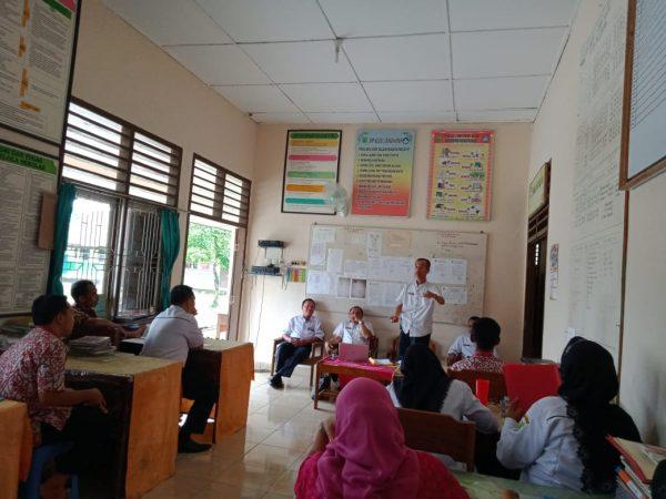 Pembinaan Koordiator pengawas dan pengawas pembina di SMPN 2 Sungai Keruh